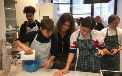 Ranskan valtiosihteeri Marlène Schiappa vieraili HRSK:ssa tasa-arvokasvatusta seuraamassa